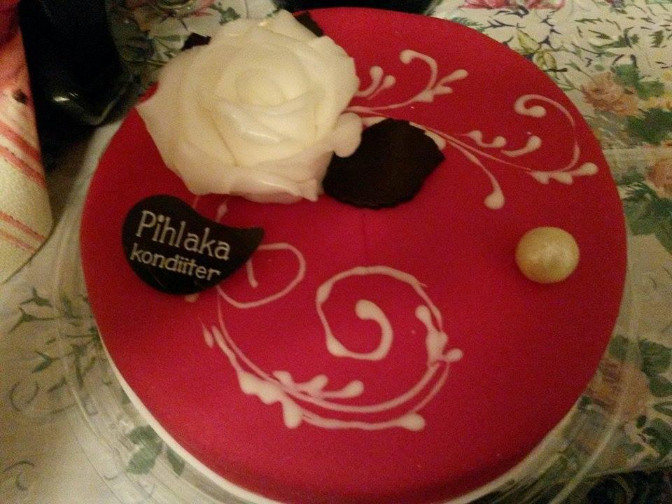 "ee72c807b7e Pihlaka kondiiter | Tort ""Valge roos"" 1kg"